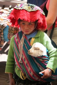 sm-08-9277-kid-w-lamb-pisac-mercado