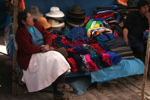 sm-08-9383-hat-vendor-resting-pisac-mercado