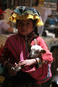 sm-08-9396-girl-w-lamb-pisac-mercado