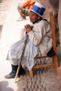 sm-08-9457-old-lady-in-chair