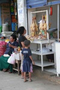 sm 08 4574 mercado - chickens